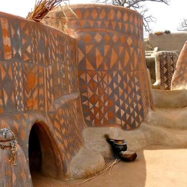 Svaka je kuća umjetničko djelo u ovom neobičnom selu