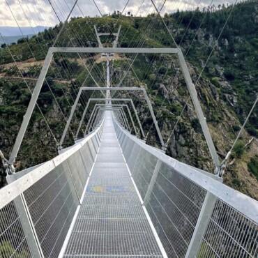 Ovo je najdulji viseći most za pješake na svijetu. Ili možda nije?