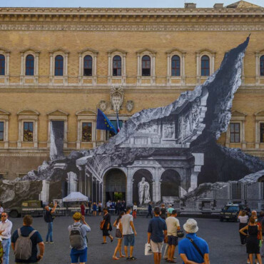 Povratak JR-a: 'Srušio' pročelje renesansne palače u Rimu